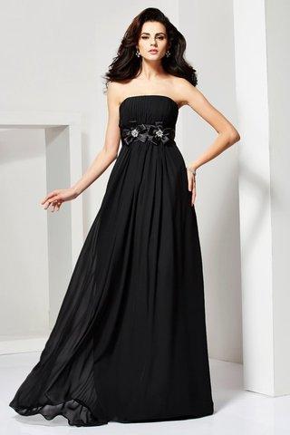 è sicuramente il modo più veloce per eliminare le taglie del vestito da sera  ma non ti fa sembrare migliore! e7d3dfd4e47